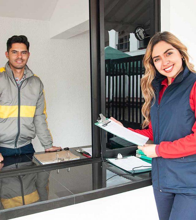 Dotaciones - Gorras - Chalecos - Pantalones -Uniformes Empresariales Monthelier